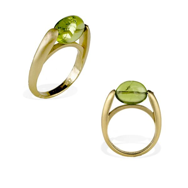 Mazza & Sons 18k Oval Peridot Ring