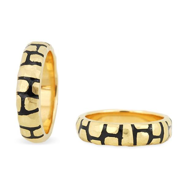 Lombardi 18k Yellow Gold and Enamel Ring