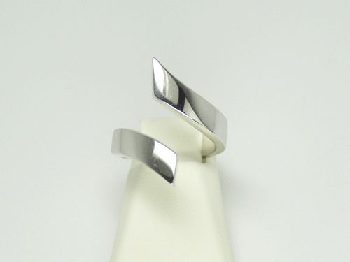 18k White Gold Wrap Ring