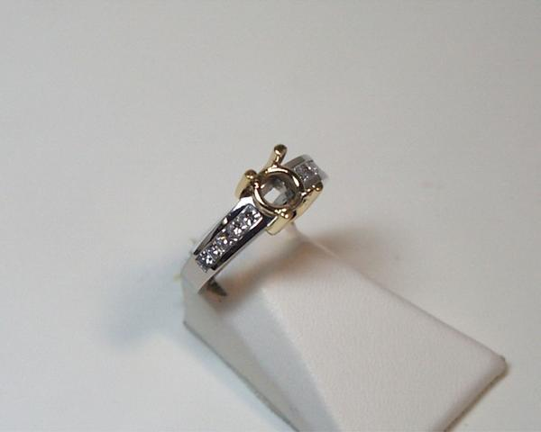 18k Yellow Gold and Platinum Mounting w/ Diamonds