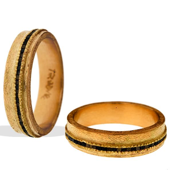 Todd Reed Gent's Wedding Band 18k yellow gold and Raw Diamonds