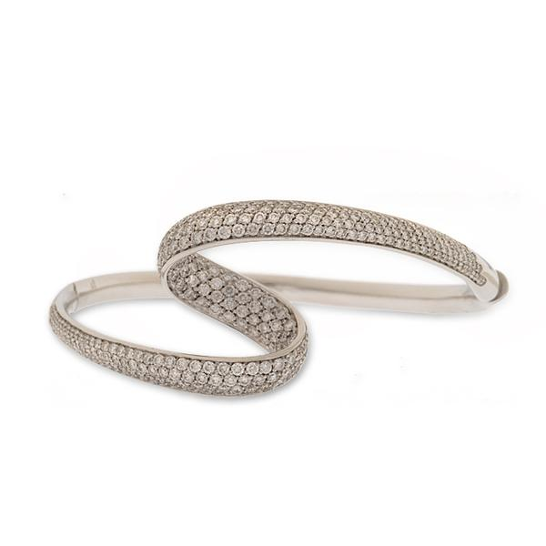Io Si Scavia Pave Diamond Swirl Bangle